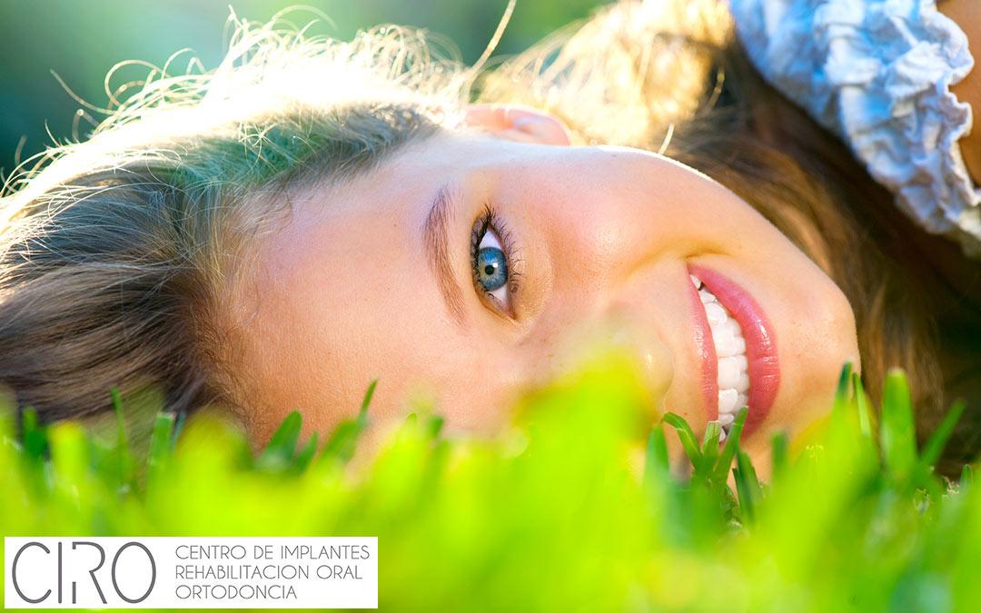 Invisalign Teen y ¡sonríe sin complejos!
