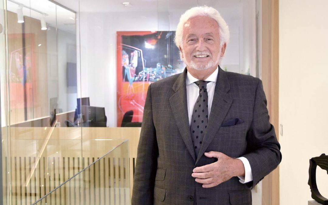 Entrevista al Dr. Vicente Jiménez en la revista del Consejo de Dentistas